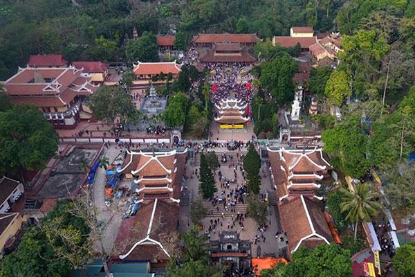 Tour Du Lịch Chùa Hương 1 Ngày cùng The Sinh Cafe Tourist