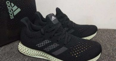 Giày adidas tại cầu giấy màu đen